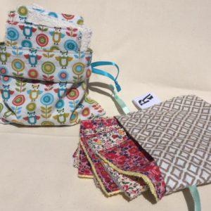 Rhapso Couture, présentation de lingettes lavables dans des pochons doublés