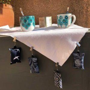 RHAPSO Couture, Chloris les poids de nappe pour manger en extérieur