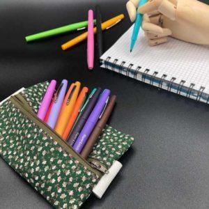RHAPSO Couture, la trousse à stylos en tissu, avec un élastique pour l'attacher au carnet ou bullet journal